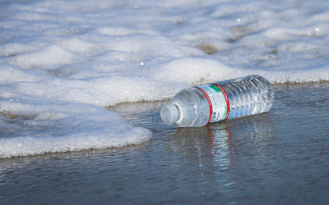 Com podem reduir l'ús de plàstic al dia a dia?